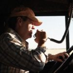 Comment choisir un talkie-walkie pour un camionneur